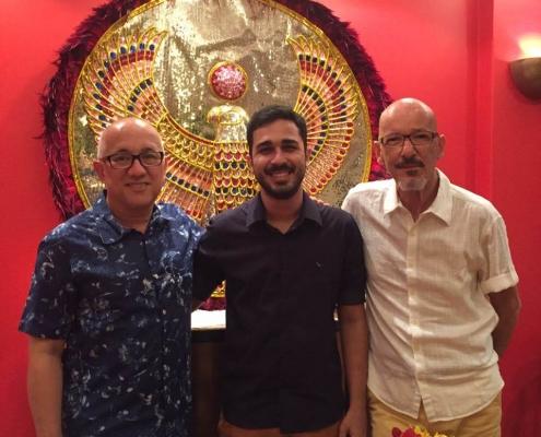Adriano Sobral com clientes de carnaval - Sobral Gastronomia