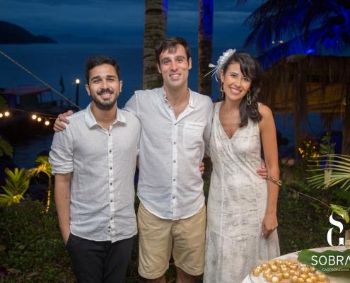 Casamento em Ilha Grande - Adriano Sobral com Noivos - Sobral Gastronomia